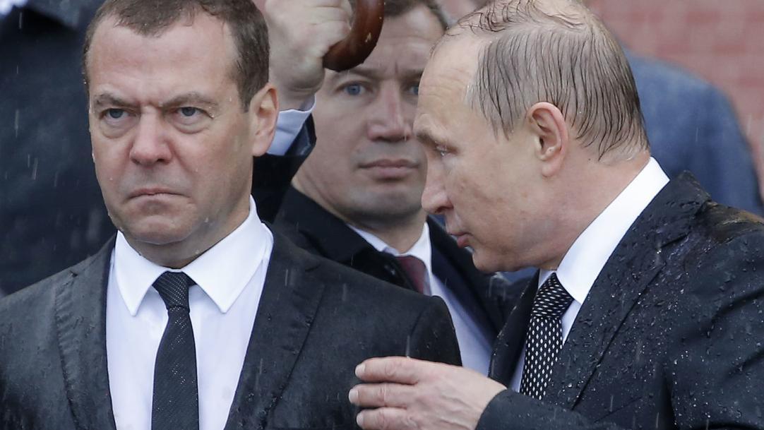 Одним из кандидатов в преемники Путина по-прежнему является Медведев