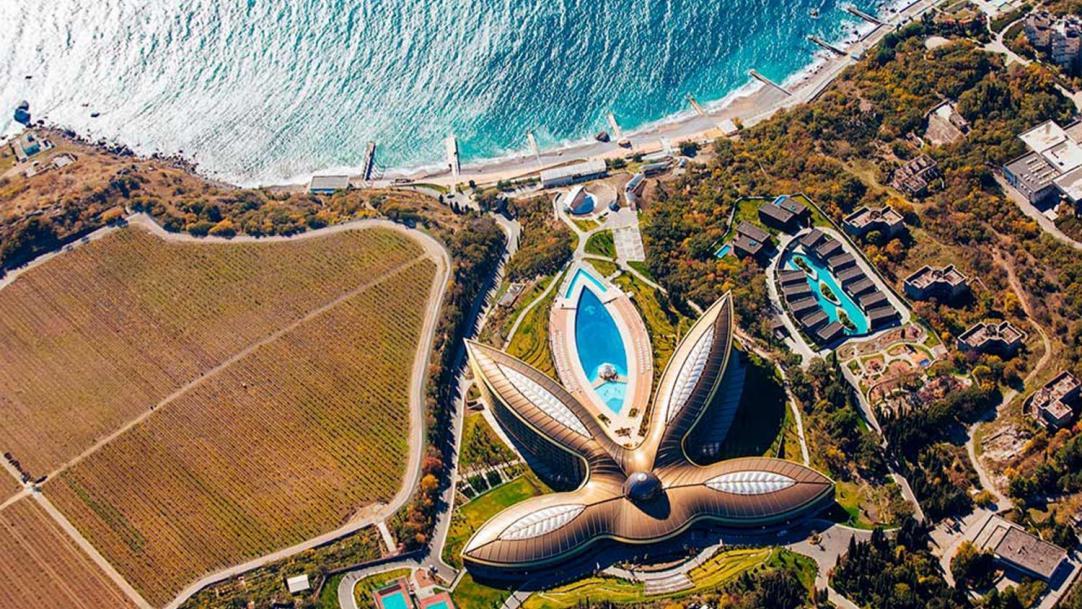Лучший курорт в мире откроет ресторан в Москве - Ведомости