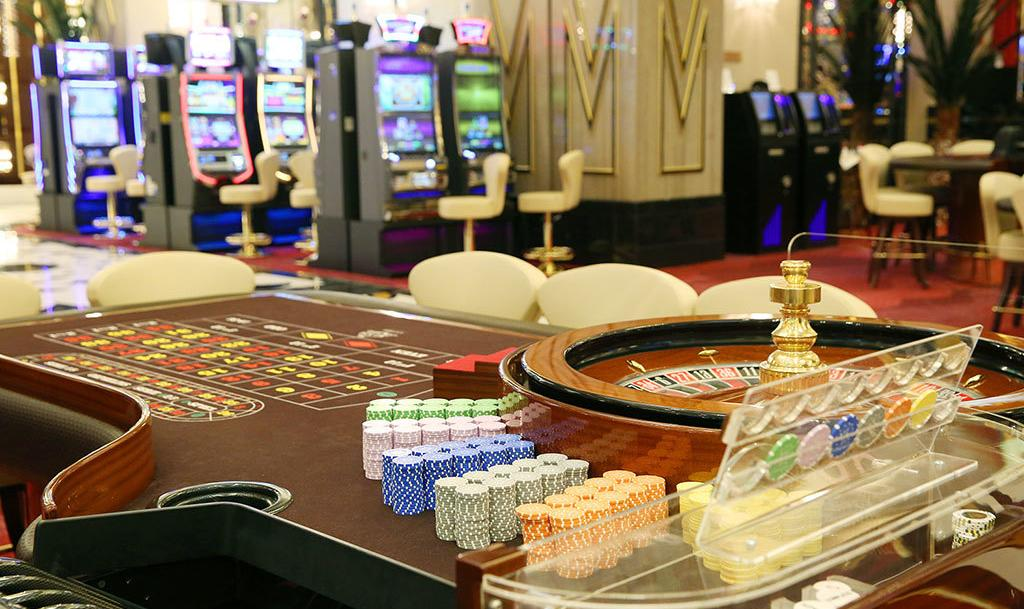 Официальное казино в москве играть в карты на дуру