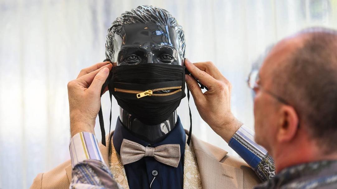 Мнение Александра Ангерта: самые дорогие маски и стоит ли их покупать
