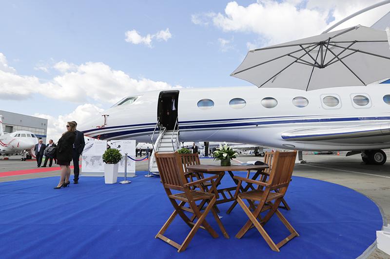 Бизнес авиация компании газпром москва работа для девушек в санкт петербурге с проживанием