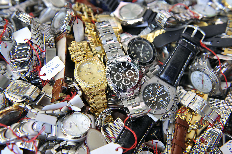 Подделку продали часы часы старые москве в сдать куда