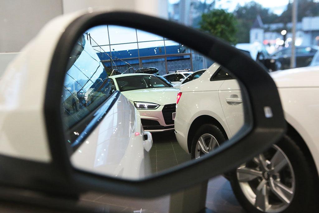 Продажа газпром банкам залоговых автомобилей автосалон inteks москва дилерский центр
