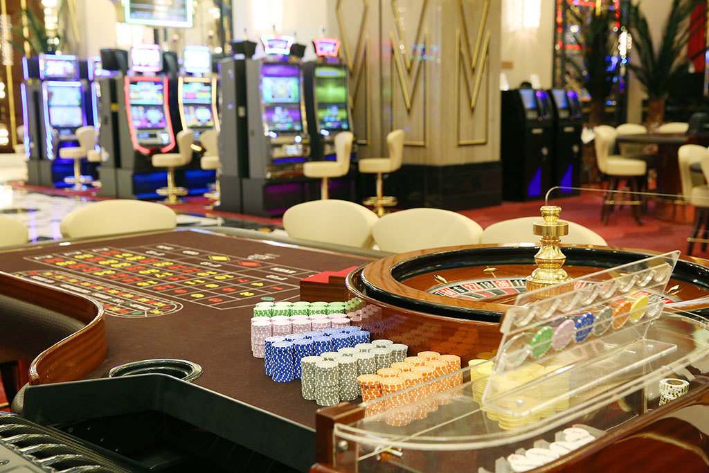 Где в россии играют в казино город тысячи казино