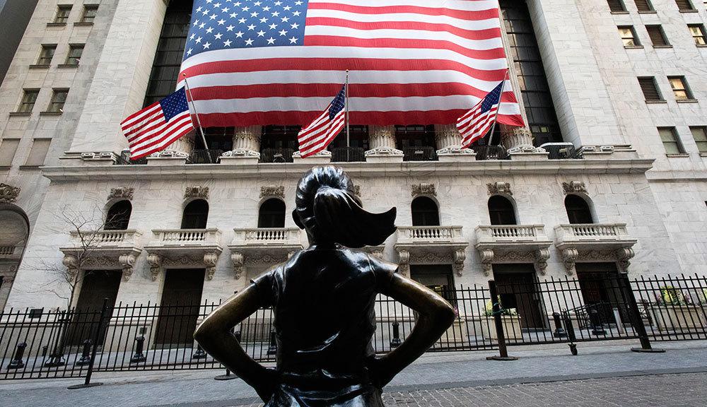 Почему фондовый рынок растет на фоне рецессии и беспорядков в США - Ведомости